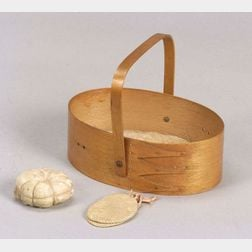 Maple Shaker Oval Sewing Carrier