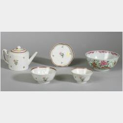 Five Chinese Export Porcelain Items