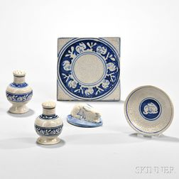 Five Dedham Pottery Rabbit Pattern Tableware Items