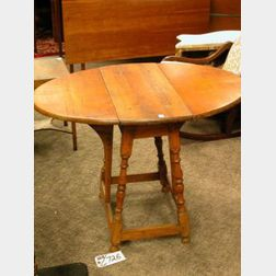 William & Mary Style Maple Butterfly Drop-leaf Table.