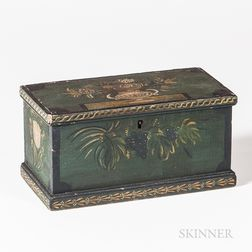Green Paint-decorated Box