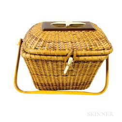 Nantucket Basket Purse with Carved Seagull Medallion