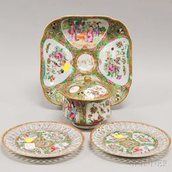 Four Chinese Export Porcelain Rose Medallion Tableware Items