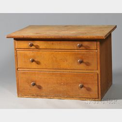 Shaker Pine Three-drawer Counter