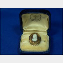 Gold and Shell Cameo Ring