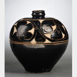 Cizhou Sgraffito Vase