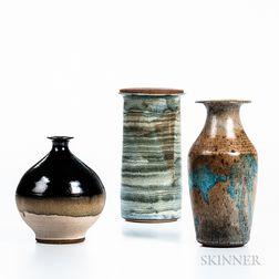 Three Pieces of William Wyman (American, 1922-1980) Studio Pottery