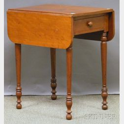 Late Federal Cherry Drop-leaf Table with Drawer
