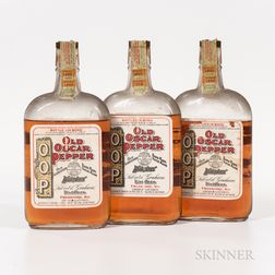Old Oscar Pepper 9 Years Old 1916, 3 pint bottles Spirits cannot be shipped. Please see http://bit.ly/sk-spirits for more info.