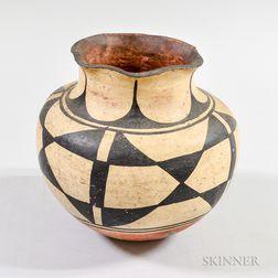 Santo Domingo Painted Pottery Jar