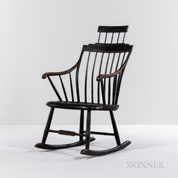 Black-painted and Gilt-striped Step-down Windsor Comb-back Rocker