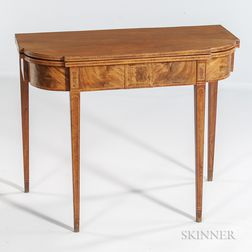 Federal Mahogany and Mahogany Veneer Inlaid Card Table