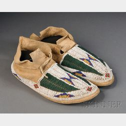 Pair of Youth-size Central Plains Beaded Hide Moccasins