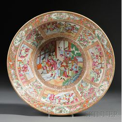 Large Chinese Export Porcelain Mandarin-decorated Wash Basin