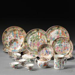 Twenty-nine Chinese Export Porcelain Table Items