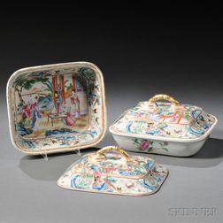 Pair of Chinese Export Porcelain Rose Mandarin Covered Vegetable Dishes