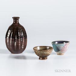 Makoto Yabe (1947-2005) Studio Pottery Sake Bottle and Two Cups
