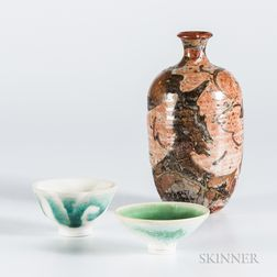 Makoto Yabe (1947-2005) Studio Pottery Sake Bottle and Two Cups