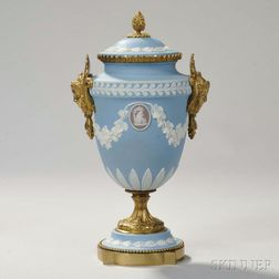 Wedgwood Gilt-bronze-mounted Tricolor Jasper Dip Vase and Cover