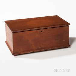 Shaker Red-stained Pine Lift-top Box