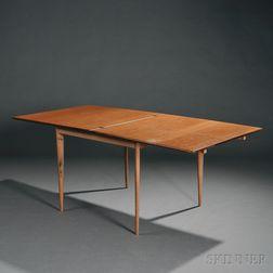 A.B.J.O. Carlssons Draw-leaf Dining Table