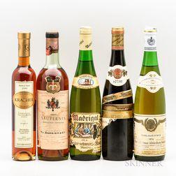 Mixed White Wines, 4 bottles 1 demi bottle