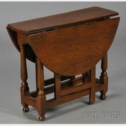William & Mary Jacobean-style Oak Diminutive Drop-leaf Gate-leg Table