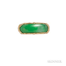 High-karat Gold and Jade Saddle Ring