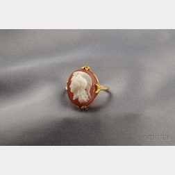 Antique 18kt Gold Hardstone Cameo Ring