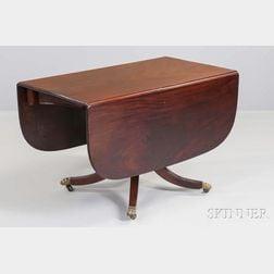 Federal Mahogany and Mahogany Veneer Table