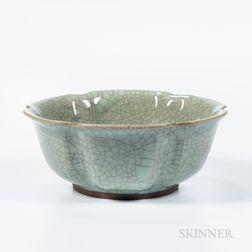 Celadon Crackle-glazed Stoneware Bowl