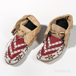 Western Sioux Beaded Hide Moccasins