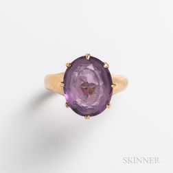 14kt Gold and Oval Amethyst Ring