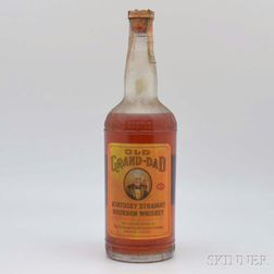 Old Grand Dad 4 Years Old 1945, 1 4/5 quart bottle