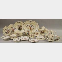 Extensive Wedgwood Williamsburg Potpourri Pattern Porcelain Dinner Service.
