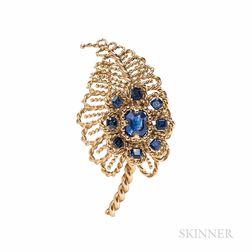 Cartier, Paris, 18kt Gold and Sapphire Clip Brooch