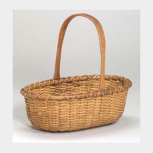 Nantucket Oval Woven Basket with Handle.