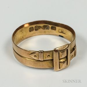 English 18kt Gold Buckle Ring