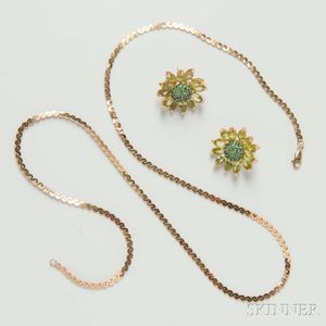 14kt Gold and Green Gem-set Flower Earrings and Gold Chain