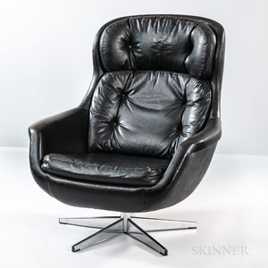 Overman Black Leather Lounge Chair