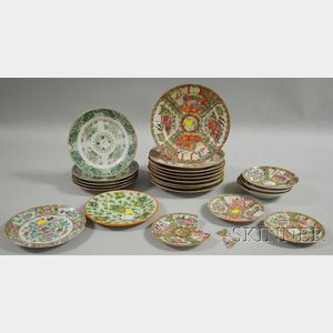 Twenty Assorted Chinese Export Porcelain Plates