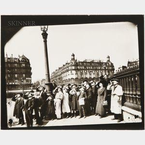 Eugène Atget (French, 1857-1927)      Pendant l'Éclipse, Place de la Bastille