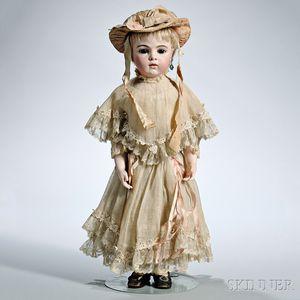 Bébé Bru Jne Bisque Head Doll