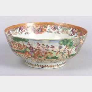 Chinese Export Porcelain Hunt Bowl