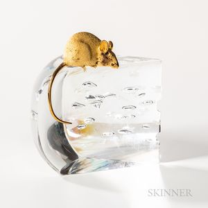 """Steuben 18kt Gold, and Glass """"Mouse and Cheese"""" Sculpture"""
