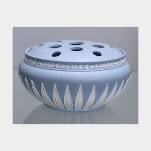 Wedgwood Solid Light Blue Jasper Potpourri and Cover