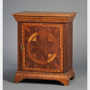 Tiger Maple and Walnut Compass Inlaid Spice Box