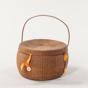 Rare Quatrefoil Design Shaker Covered Basket