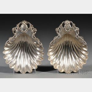 Pair of George III Silver Shell-form Dishes
