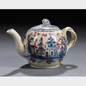 Chinoiserie-decorated Pearlware Teapot and Cover